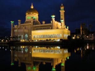 Sultan Omar Ali Saiffuddi Mosque at Night