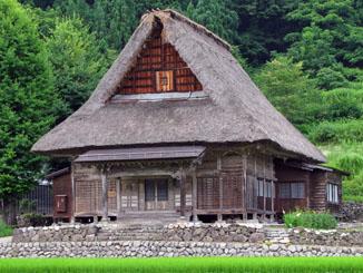 Thatch Roof in Ainokura