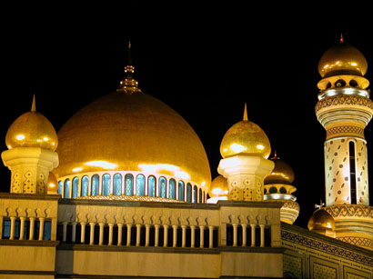 Jame Asr Hassanil Bolkiah Mosque at Night