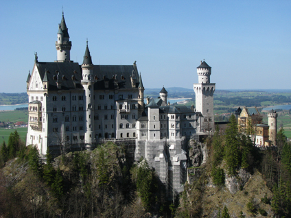 Newschwanstein - Mad King Ludwig's Castle