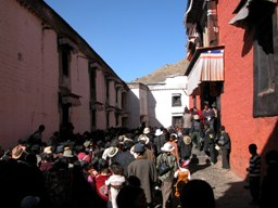 Saga Dawa crowd jostling to enter Tashilhunpo Monastery in Shigatse