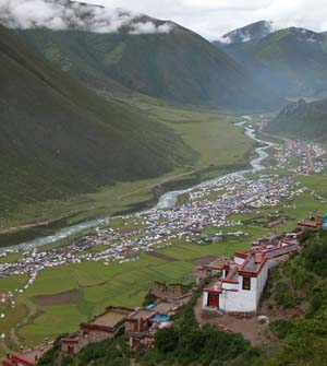 Drigung Til, Tibet - Valley Full of Tents for Powa Chemo