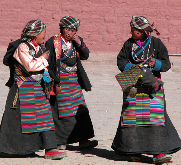 Tibetans in Sakya