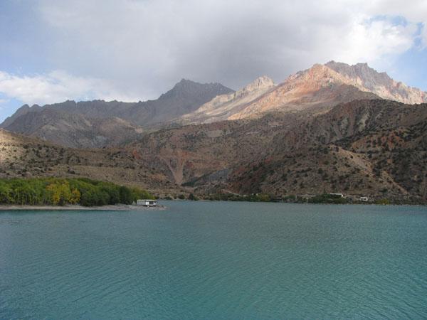 Iskander Kul, Tajikistan
